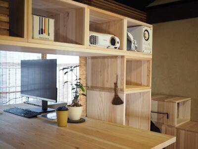 木の収納家具